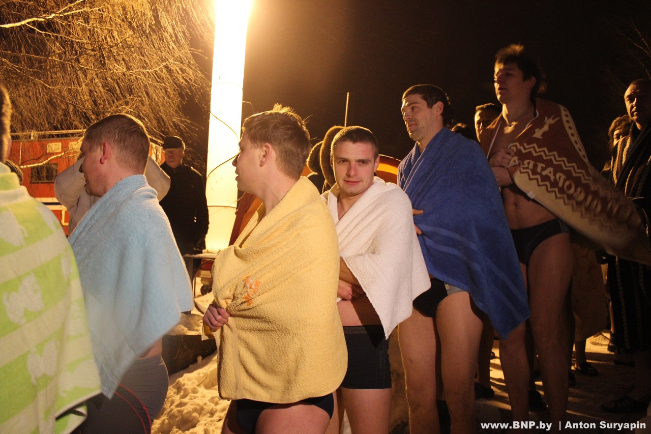 Фото крещения 2012 в купелях 5