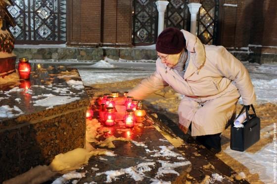 19-dekabrya-2012-goda-godovschina-Ploschi-molitva-za-politvyaznau-01
