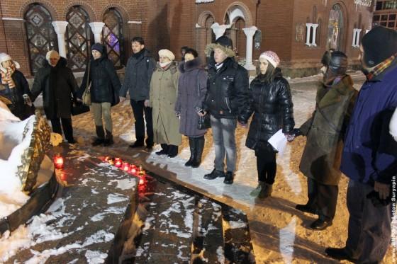 19-dekabrya-2012-goda-godovschina-Ploschi-molitva-za-politvyaznau-02