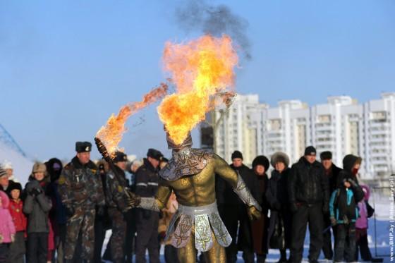 Parad-Dedov-Morozov-i-Snegurochek-23-dekabrya-12