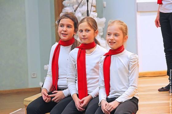 29-dekabrya-rozhdestvenskiye-peniya-12