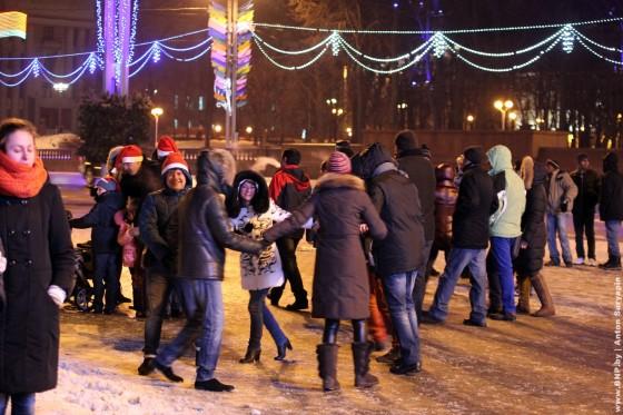 Novogodnaya-noch-2013-v-centre-Minska-04