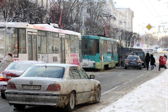 Razminirovaniye-paketa-v-centre-Minska-01
