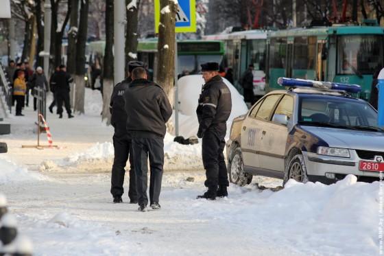 Razminirovaniye-paketa-v-centre-Minska-04