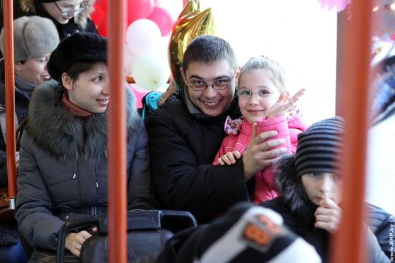 Rozhdestvenskiy-tramvay-ezdit-po-Minsku-6-7-janvarya-04