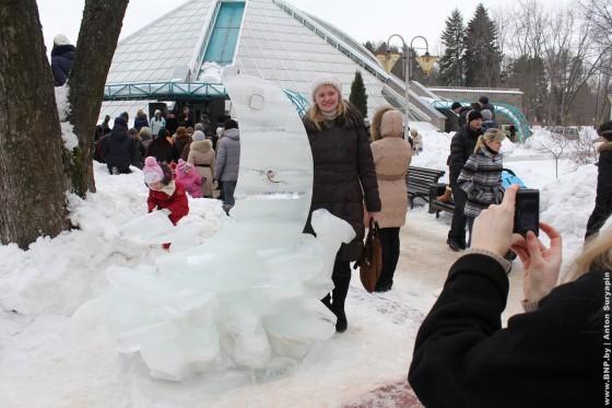 Festival-ledovih-skulptur-v-Minske-2013-12