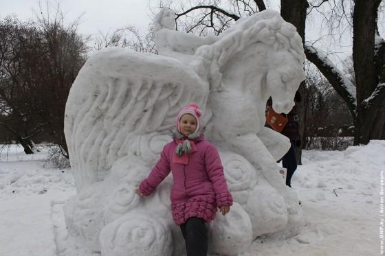 Festival-ledovih-skulptur-v-Minske-2013-16