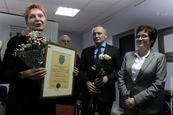 Raisa-Mihalovskaya-poluchila-premiy-Yriya-Zaharenko-08