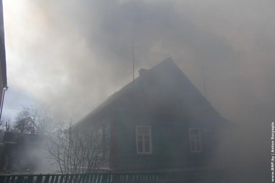 Pozhar-v-chastnom-dome-24-aprelya-02