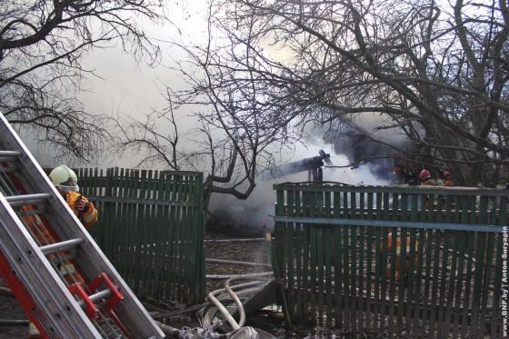 Pozhar-v-chastnom-dome-24-aprelya-03