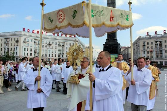 26-may-Katolicheskiy-prazdnik-v-Minske-09