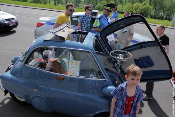 Retroavtomobili-v-Minske-11-maya-2013-03