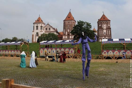 Festival-Naslediye-vekov-v-Mire-2013-05
