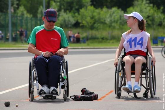 Invalidi-kolyasochniki-22-june-v-Minske-Serebryanka-10