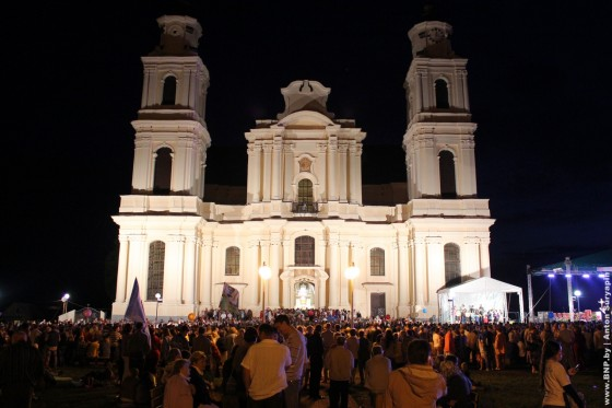 Foto-Budslavskiy-fest-2013-vokrug-sobora-02