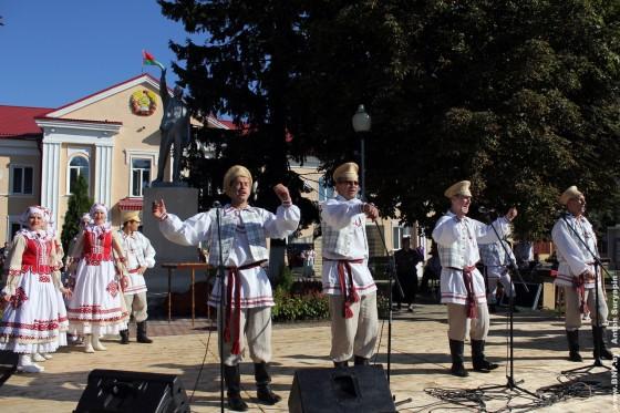 Dzen-belaruskay-pismennasti-Bukhov-1-sentebrya-2013-03