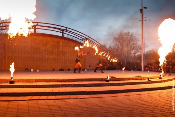 Fireshow-6-aprelya-v-Minske-Dvorec-molodezhi-01