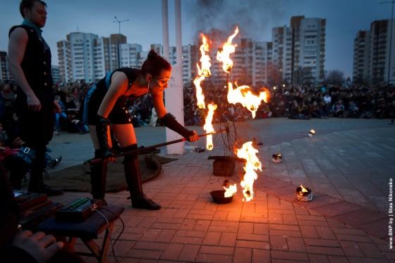 Fireshow-6-aprelya-v-Minske-Dvorec-molodezhi-03