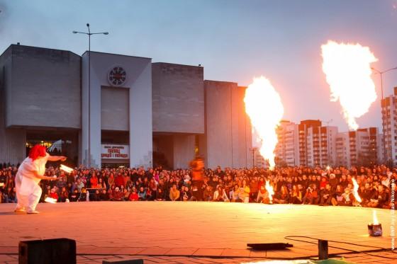 Fireshow-6-aprelya-v-Minske-Dvorec-molodezhi-08