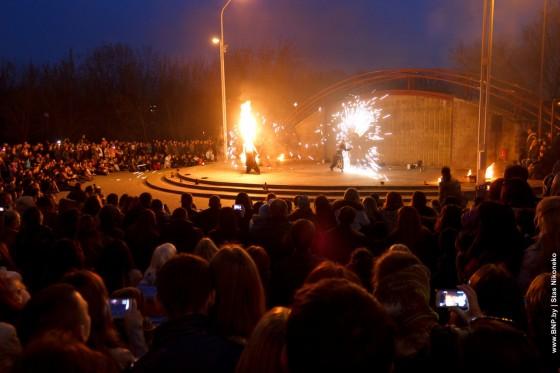 Fireshow-6-aprelya-v-Minske-Dvorec-molodezhi-15
